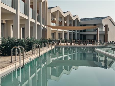 New Aqua Hotel