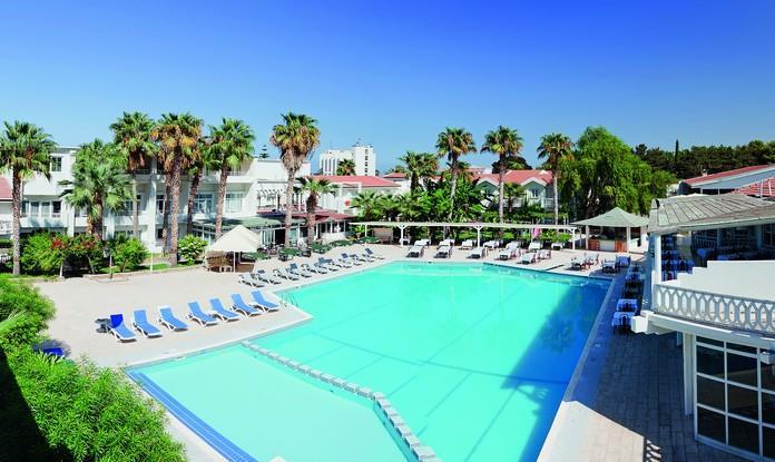 LA Hotel  Resort