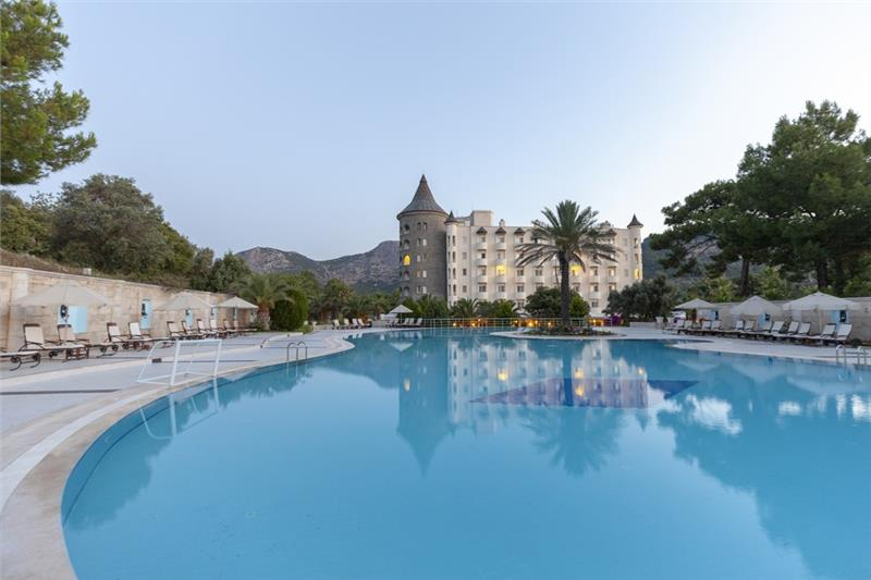 Castle Resort and Spa