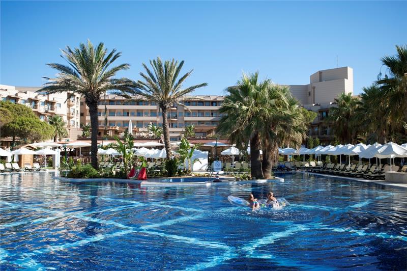 Crystal Tat Beach & Golf Resort